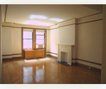 PERFECT PRE-WAR 3 BD/2 BATH -- NO FEE!