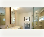 **FREE RENT** Spacious 1 bedroom with Luxury Finishes in Convenient Location