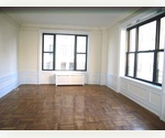 STEAL THIS 7 ROOM ! NO FEE CPW BEAUTY! OWN W/D !